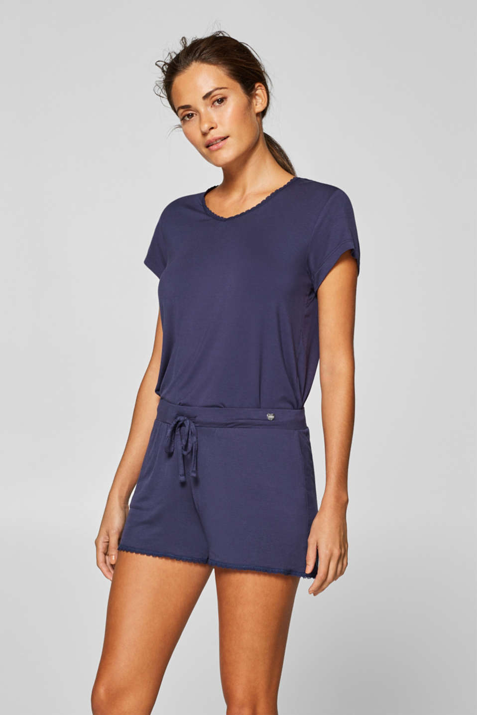 Esprit - Stretch jersey shorts with lace hems