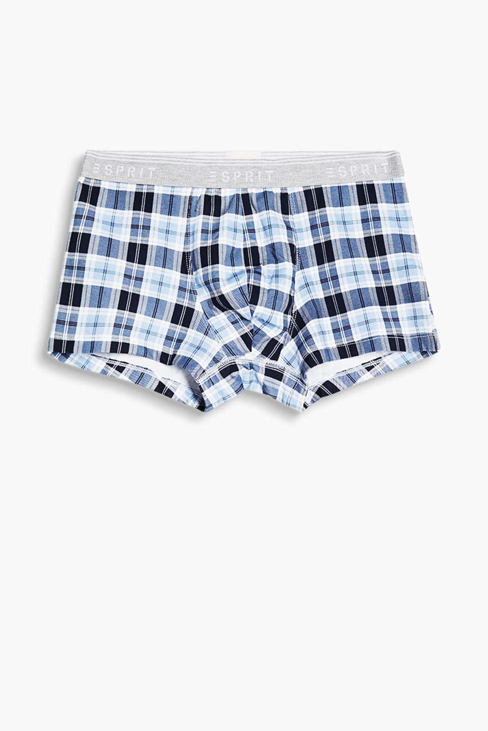 The trendy check and the sporty fit make these hipster shorts in stretch cotton a must-have!