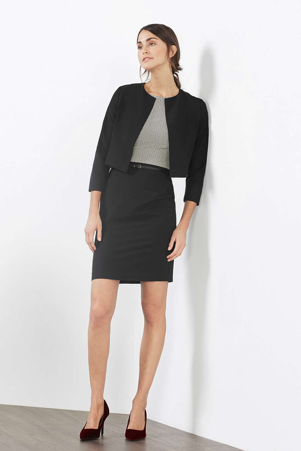 Esprit - Super stretchy short blazer