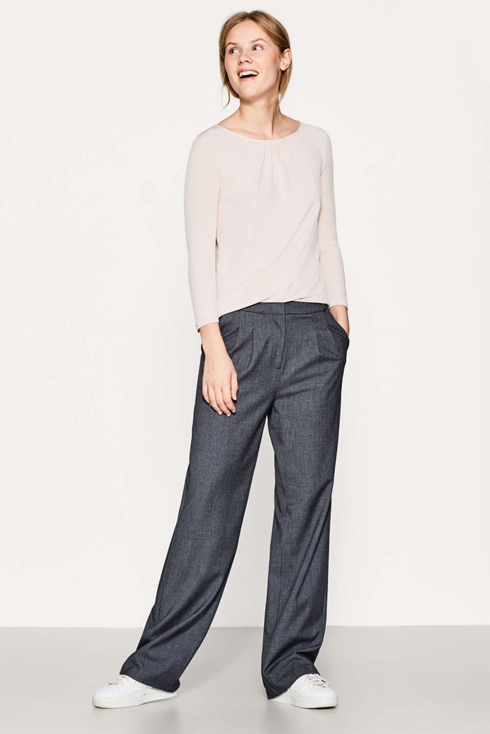Esprit - Crêpe top with pleats and added stretch