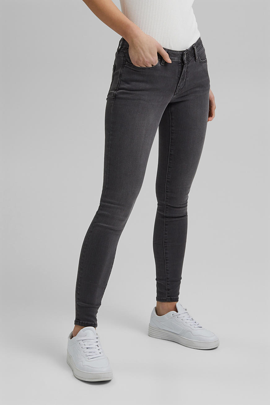 Jeans super stretch, riciclati