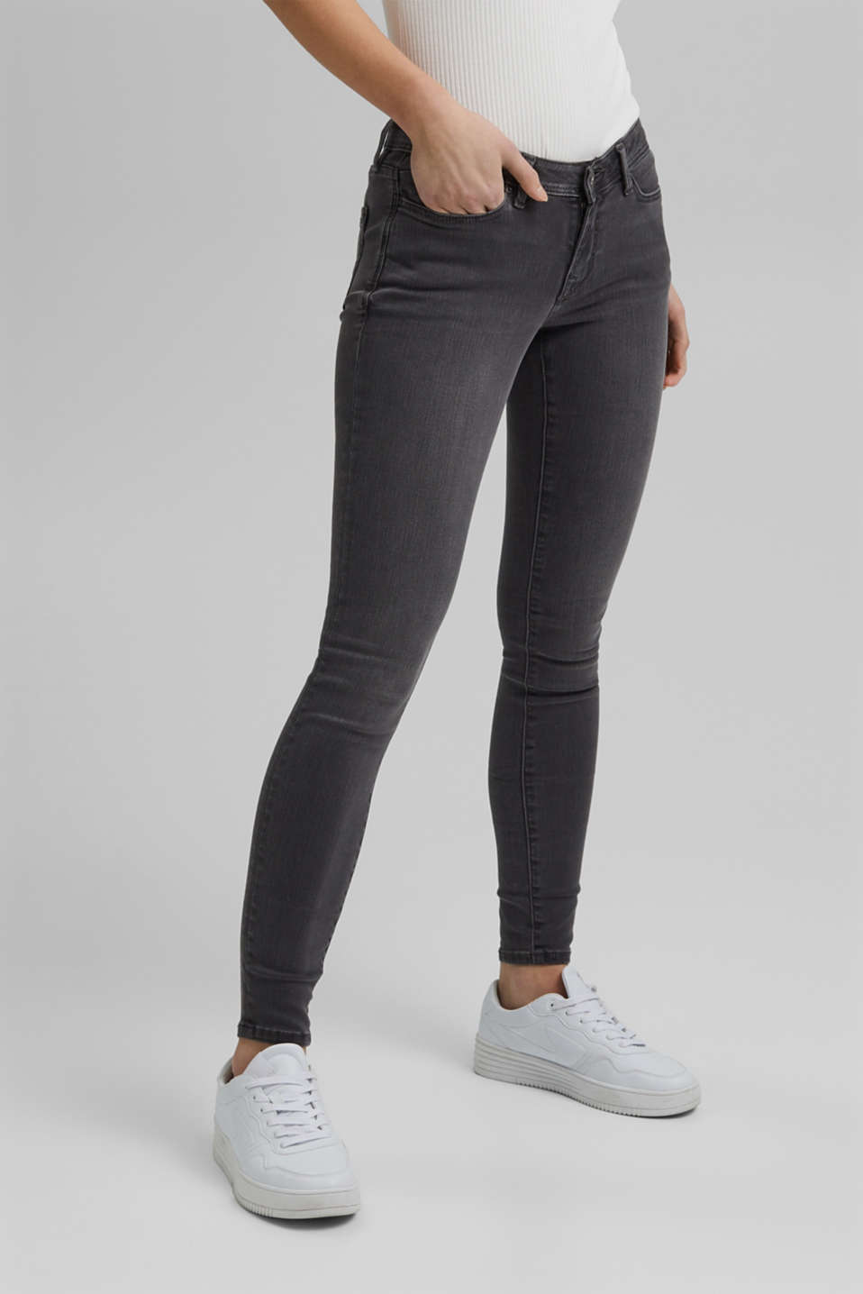 Super stretch jeans in a recycled material mix, GREY MEDIUM WASH, detail image number 0