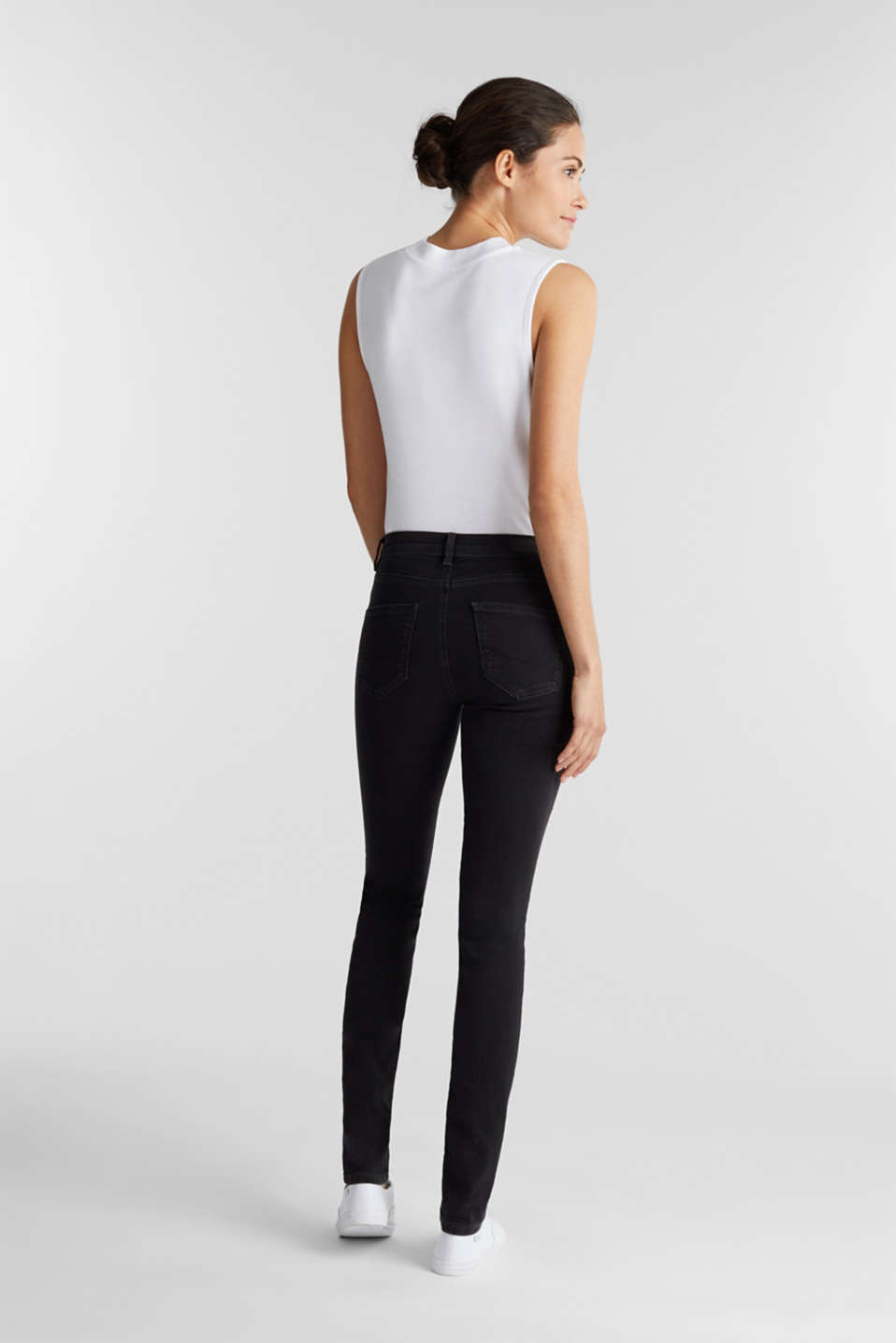 Stretch jeggings containing organic cotton