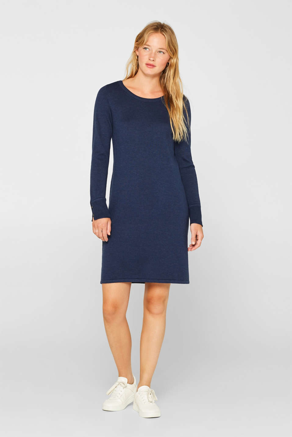 Fine knit dress with organic cotton