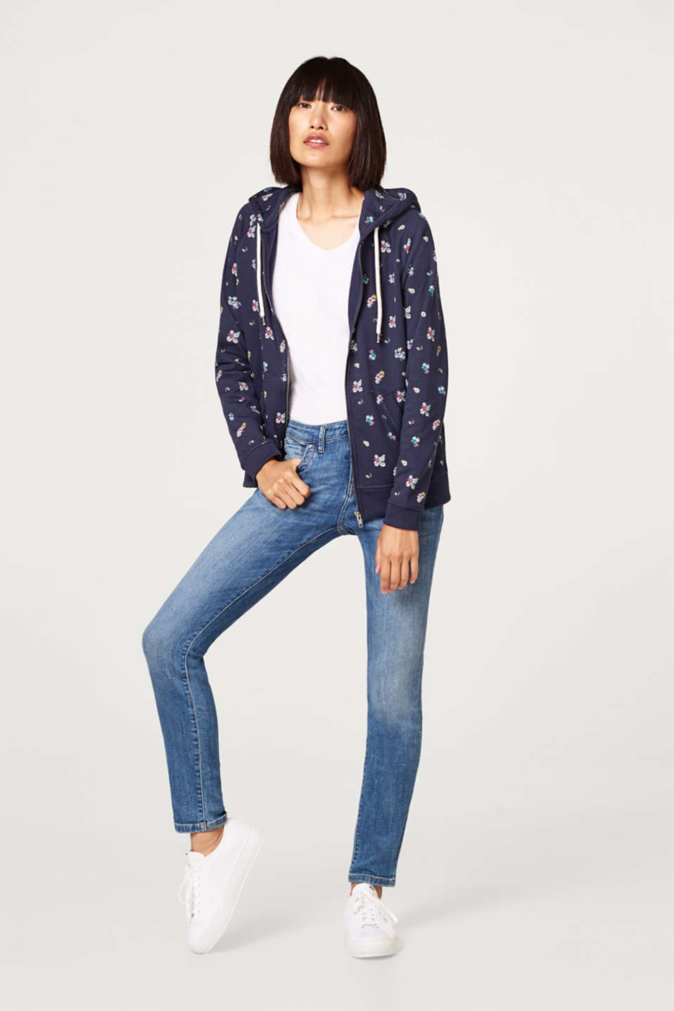 Sweatshirt fabric cardigan with a floral print