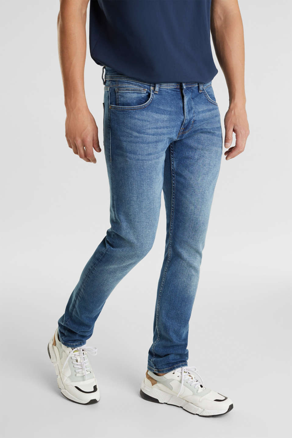 Basic jeans with stretch, BLUE MEDIUM WASH, detail image number 0