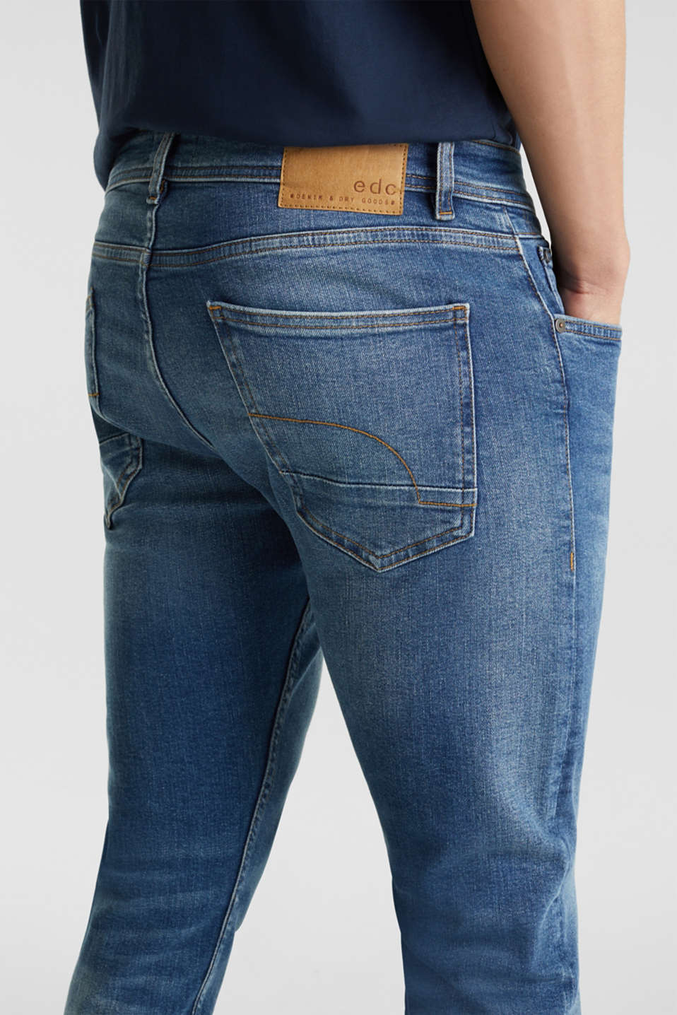 Basic jeans with stretch, BLUE MEDIUM WASH, detail image number 3