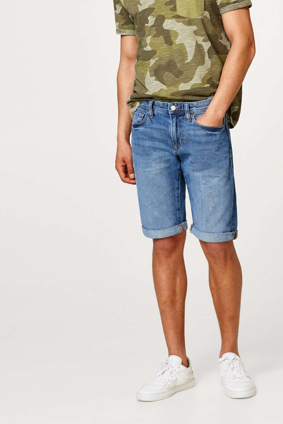 edc - Denim shorts with a subtle garment-washed effect, in cotton