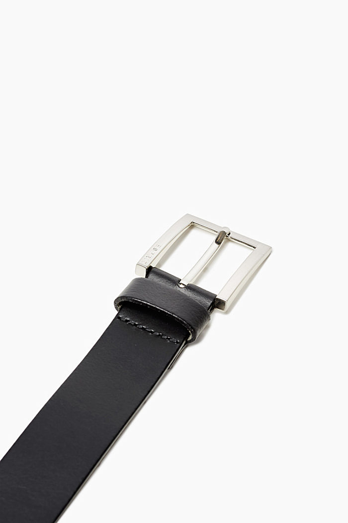 Leather belt with a satined metal buckle