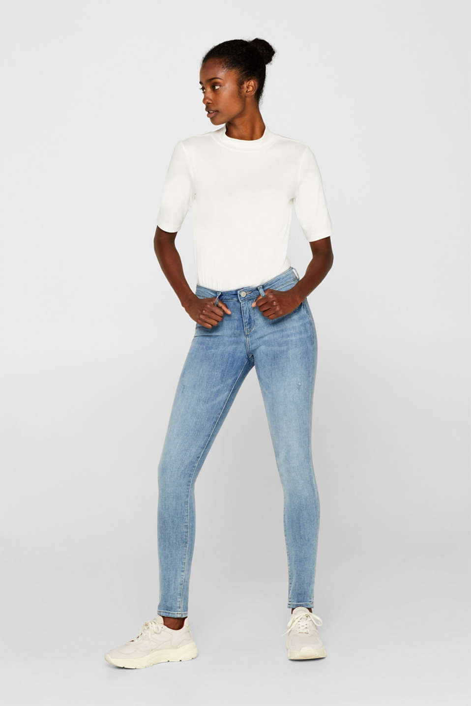 Stretch jeans with vintage effects and organic cotton, BLUE LIGHT WASH, detail