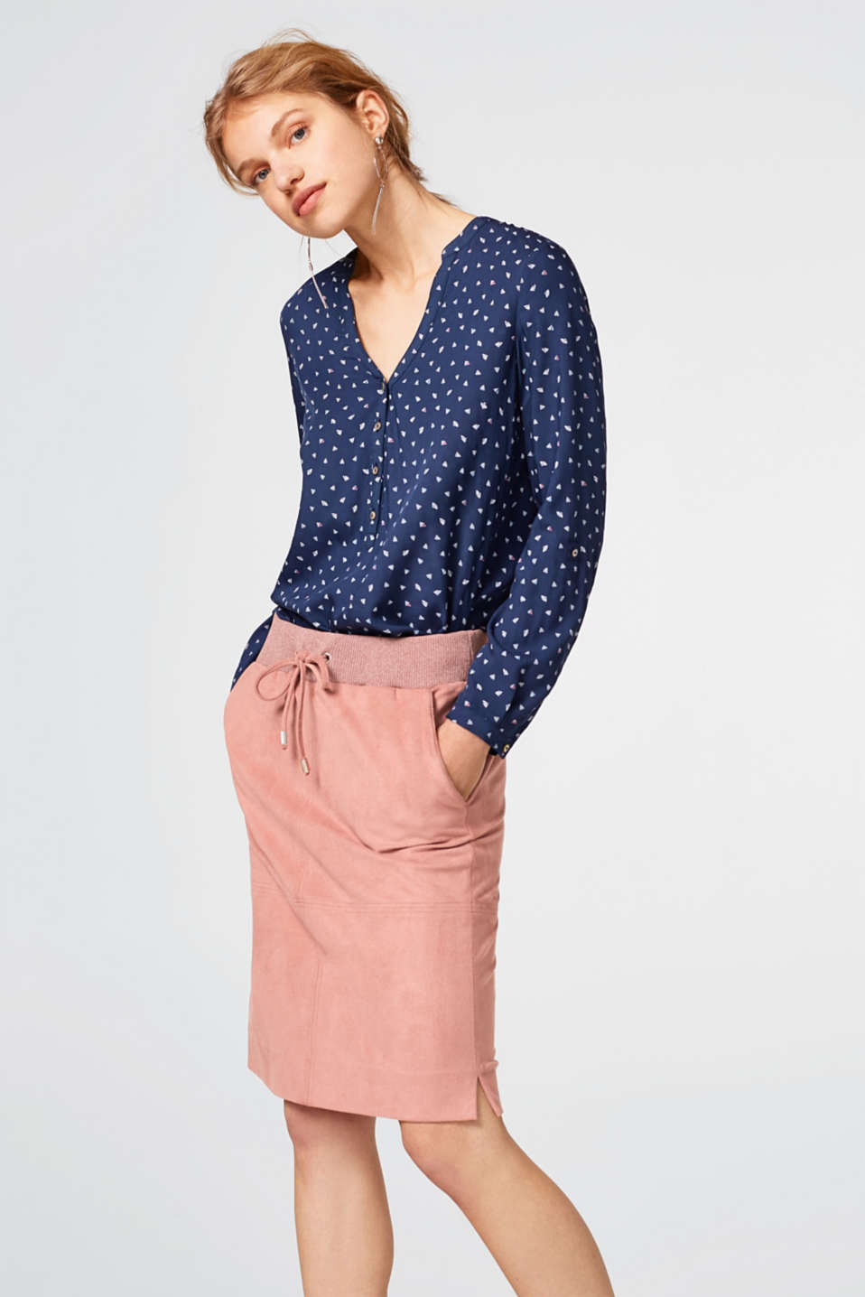 Esprit - Flowing printed blouse with turn-up sleeves