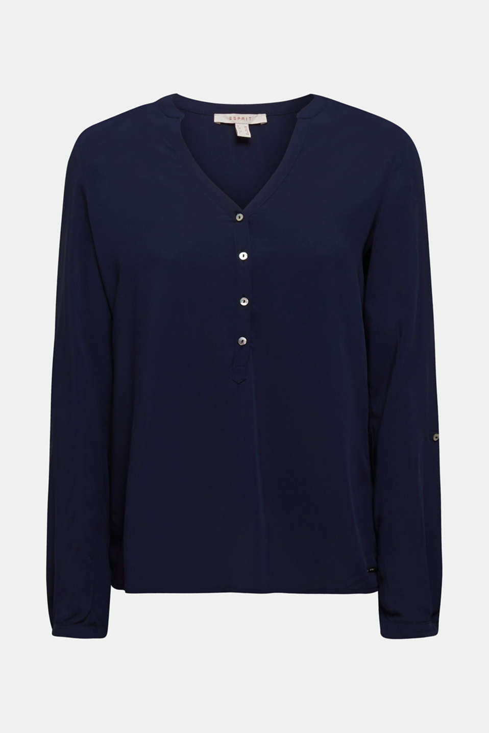 This casual Henley blouse with adjustable turn-up sleeves is a perfect essential piece!