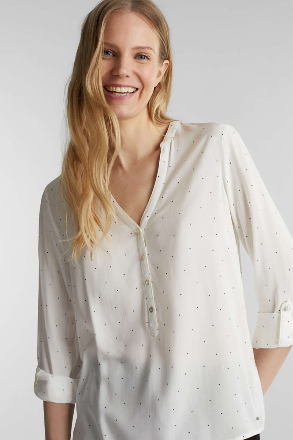 Esprit - Henley blouse with polka dots and turn-up sleeves