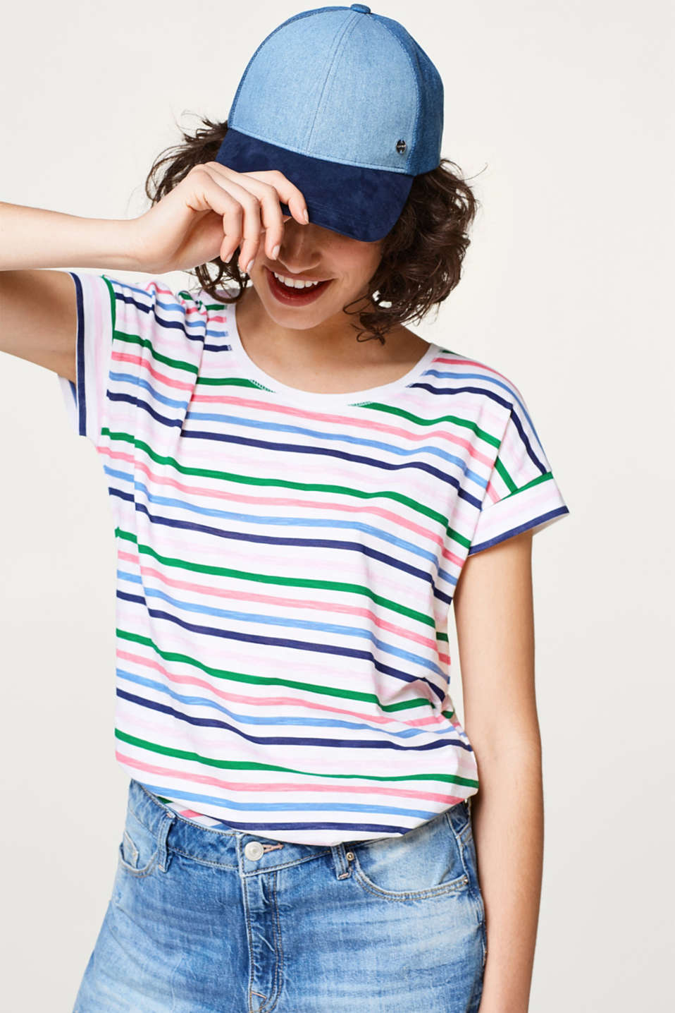 Esprit - Airy slub T-shirt with print, 100% cotton