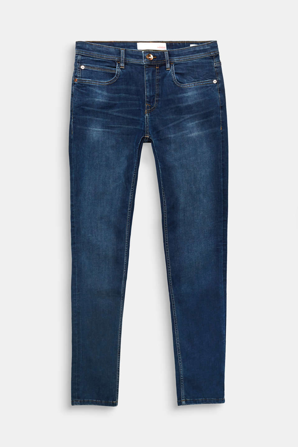 Dynamic denim comfort! Super stretch for comfort a and skinny cut make these jeans an everyday fave!