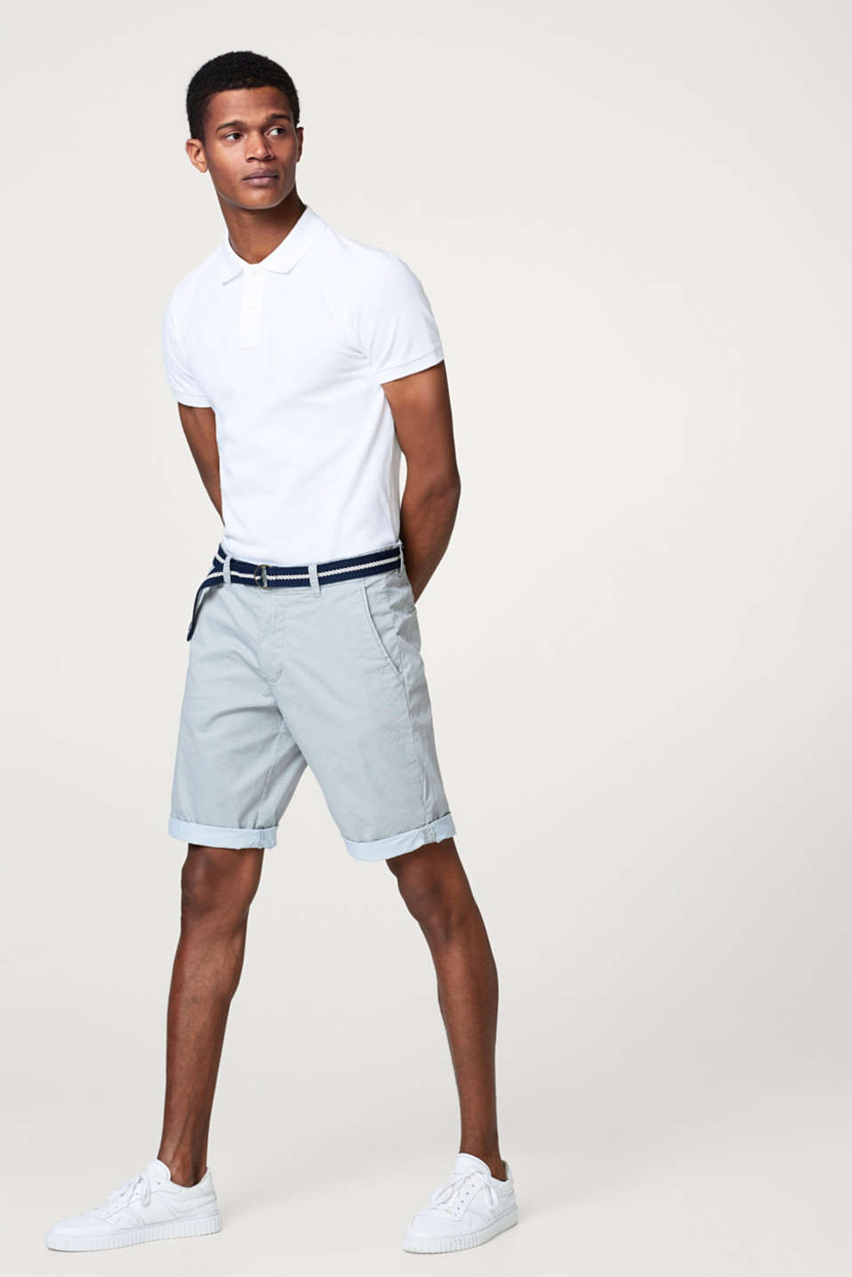 Esprit - Shorts with a print and a belt, stretch cotton