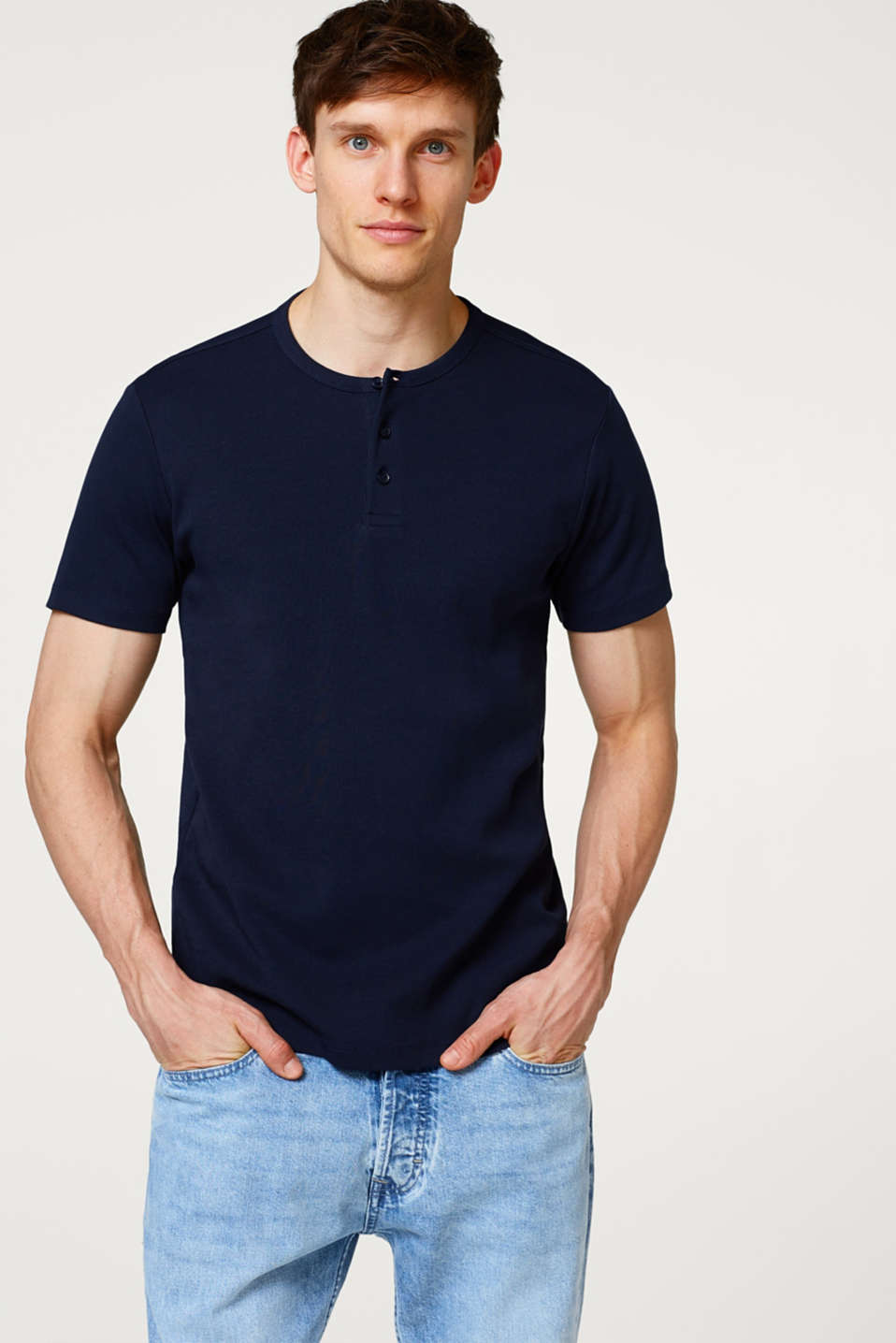 Esprit - Basic ribbed T-shirt with Henley neckline