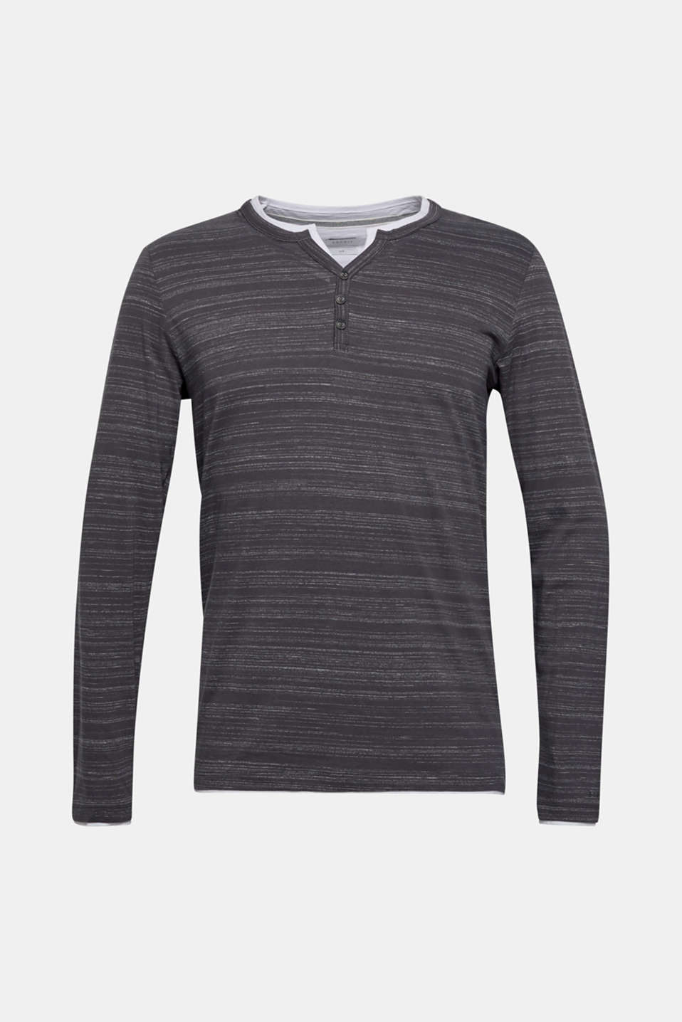 A fashion basic and must-have for every wardrobe: Henley top with fine, textured stripes.