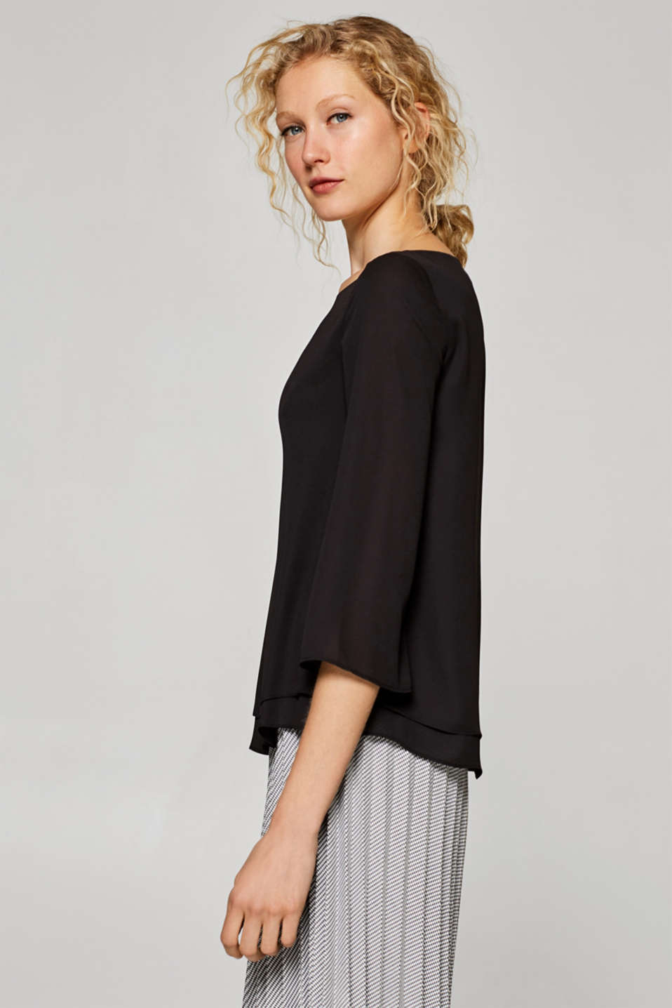 Flowing crêpe blouse with a layered effect, BLACK, detail image number 5
