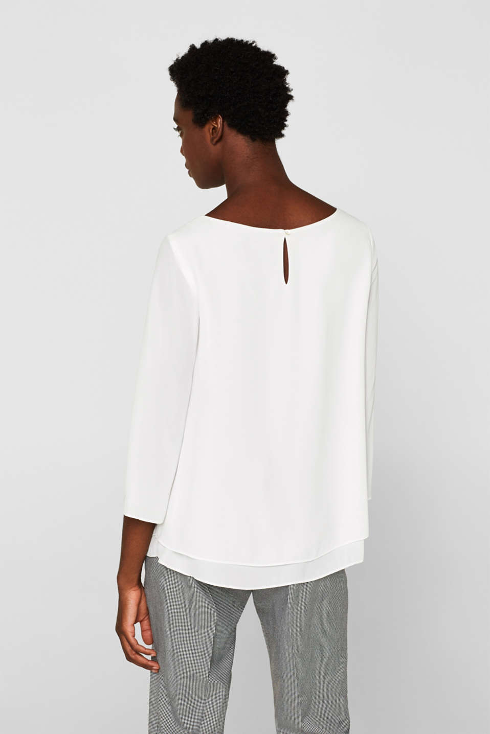 Crêpe blouse with a layered effect, OFF WHITE, detail image number 3