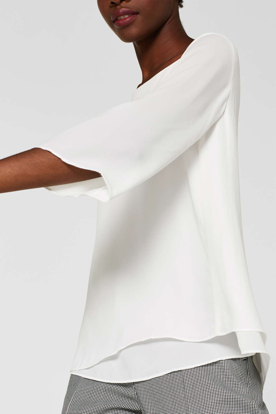 Crêpe blouse with a layered effect, OFF WHITE, detail image number 2
