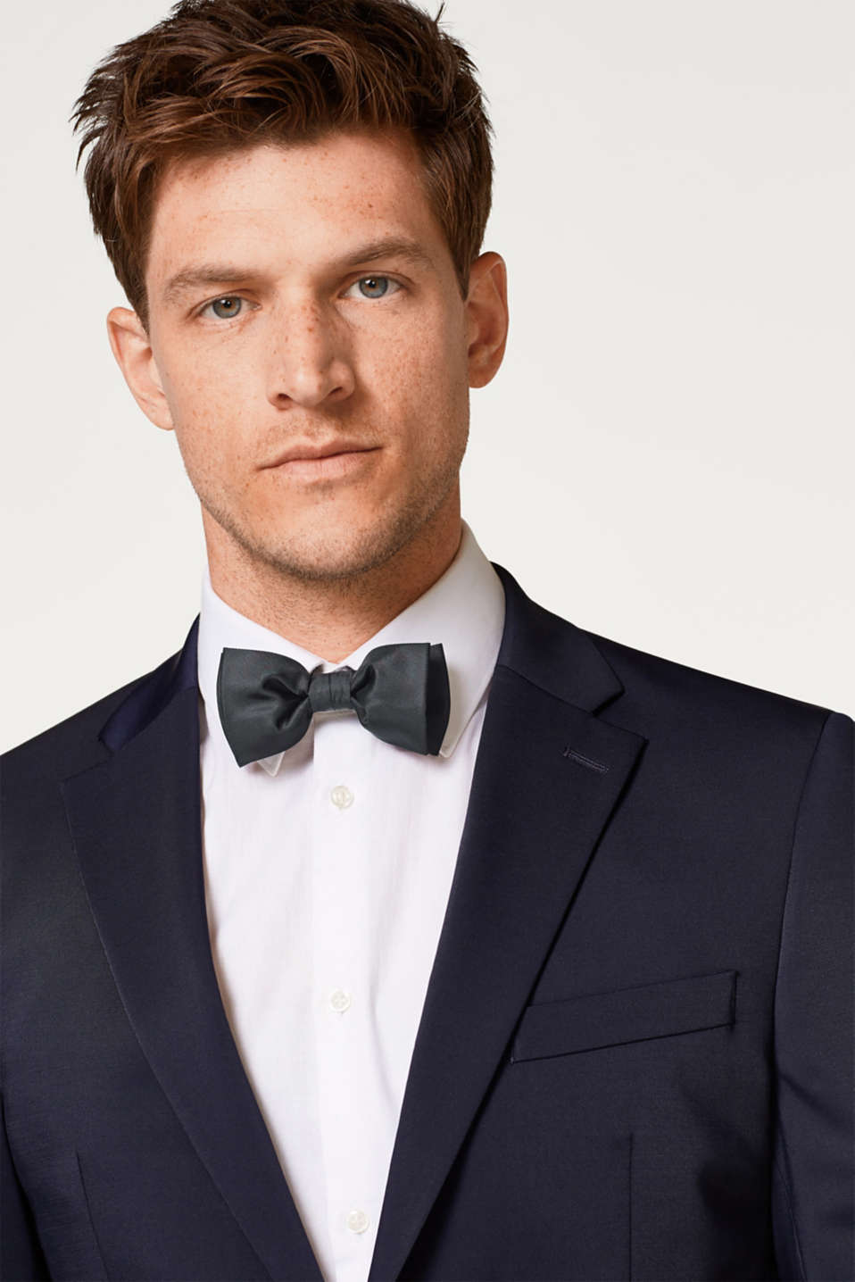 Bow tie with a silky sheen