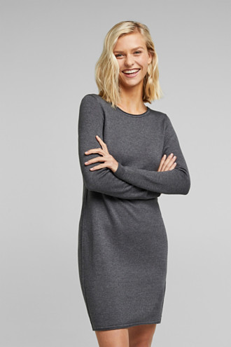 Knitted dress in a basic look