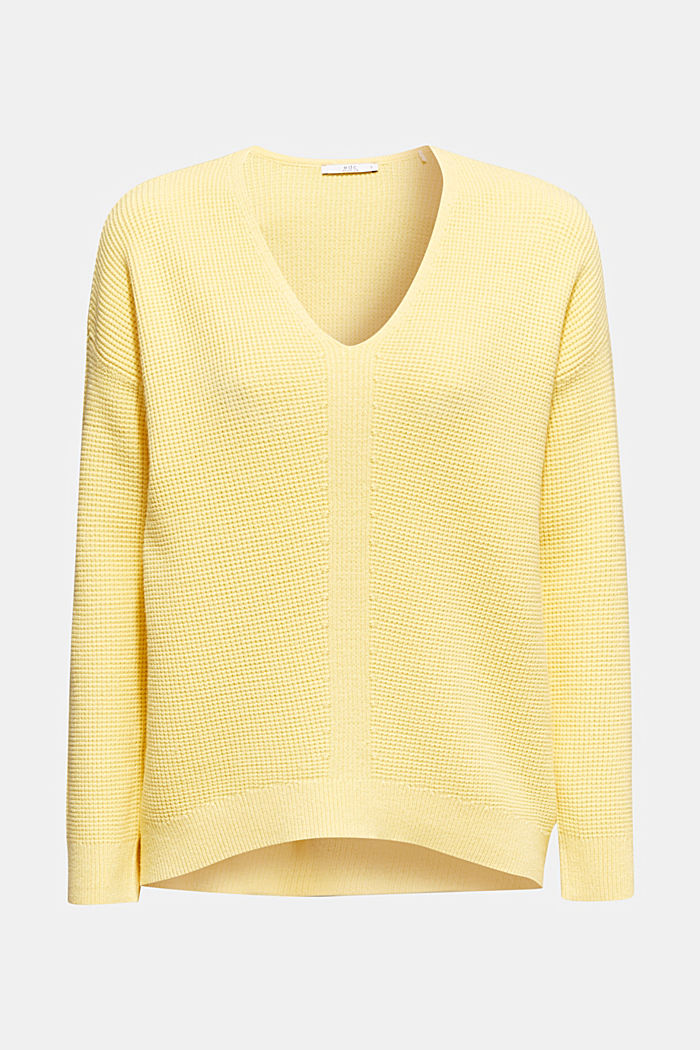 Jumper with a rice grain texture