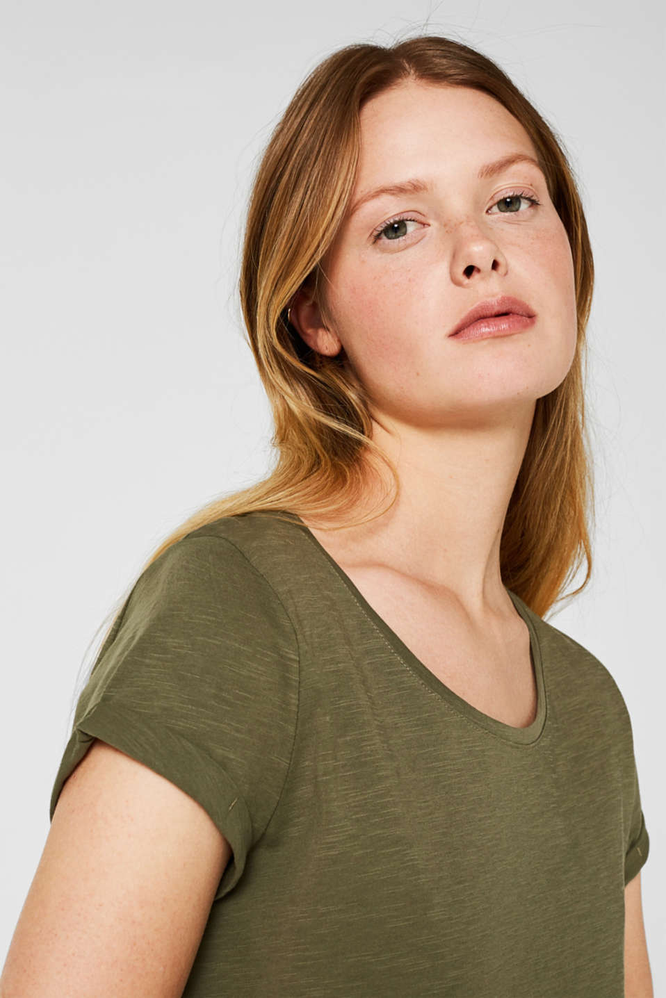 T-shirt containing organic cotton, KHAKI GREEN, detail image number 5