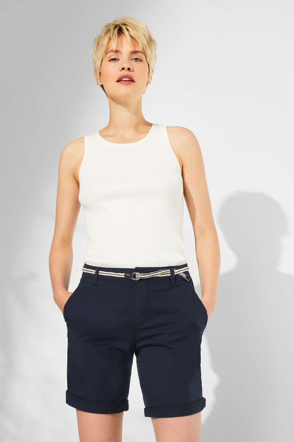 Stretch cotton Bermudas with a belt, NAVY, detail image number 0