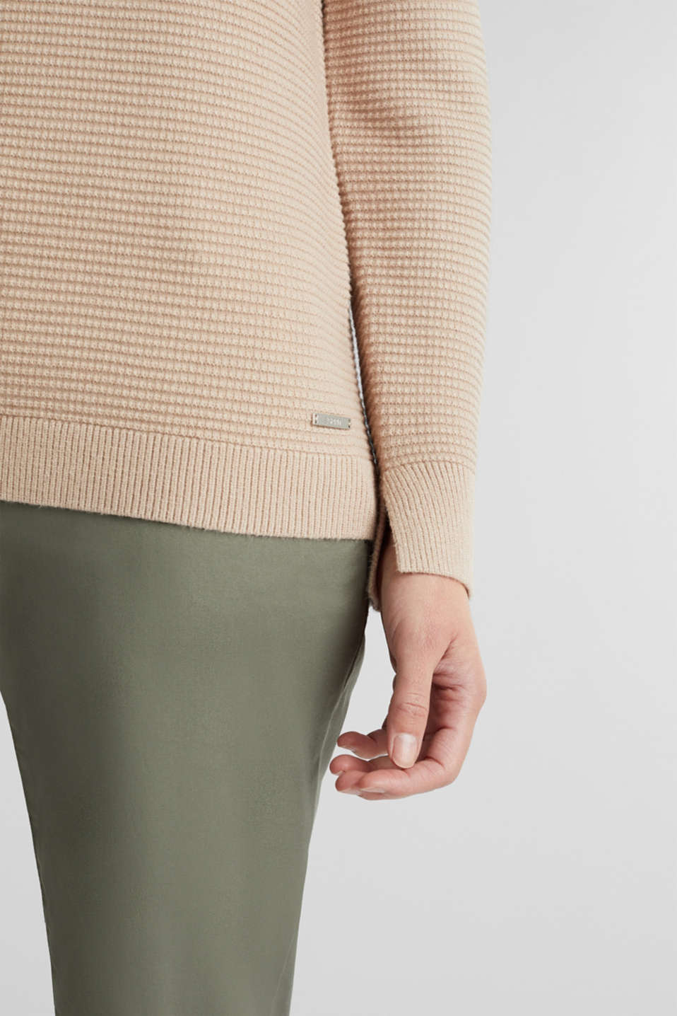 Basic jumper with a ribbed texture, BEIGE, detail image number 2