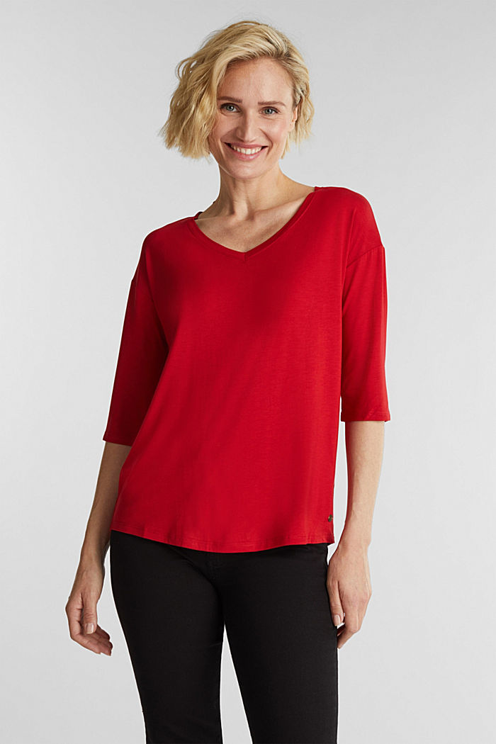 Stretch T-shirt with a V-neckline, DARK RED, detail image number 0