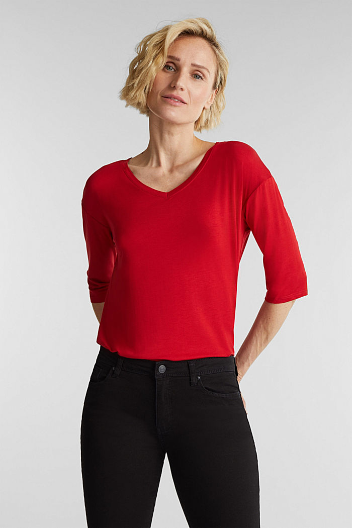 Stretch T-shirt with a V-neckline, DARK RED, detail image number 5