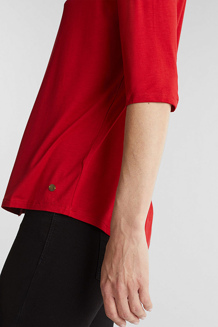 Stretch T-shirt with a V-neckline, DARK RED, detail image number 2