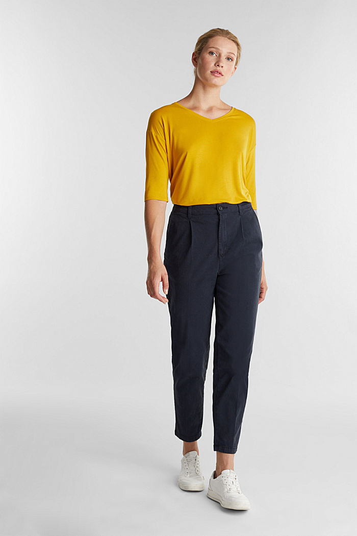 Stretch T-shirt with a V-neckline, BRASS YELLOW, detail image number 1