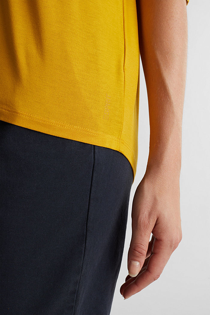 Stretch T-shirt with a V-neckline, BRASS YELLOW, detail image number 2
