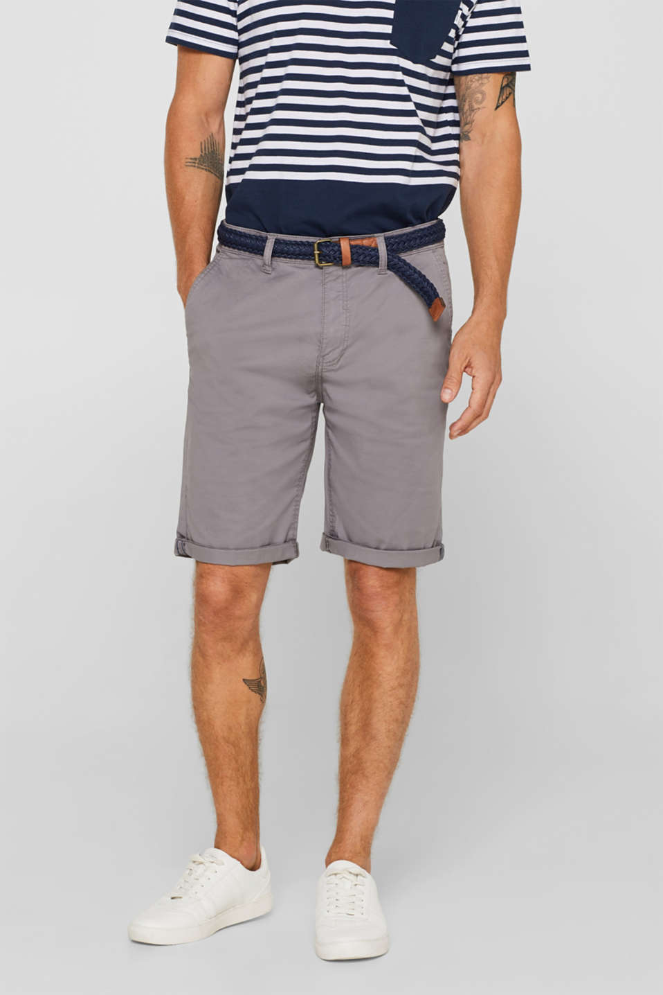 Esprit - Chino shorts with a braided belt