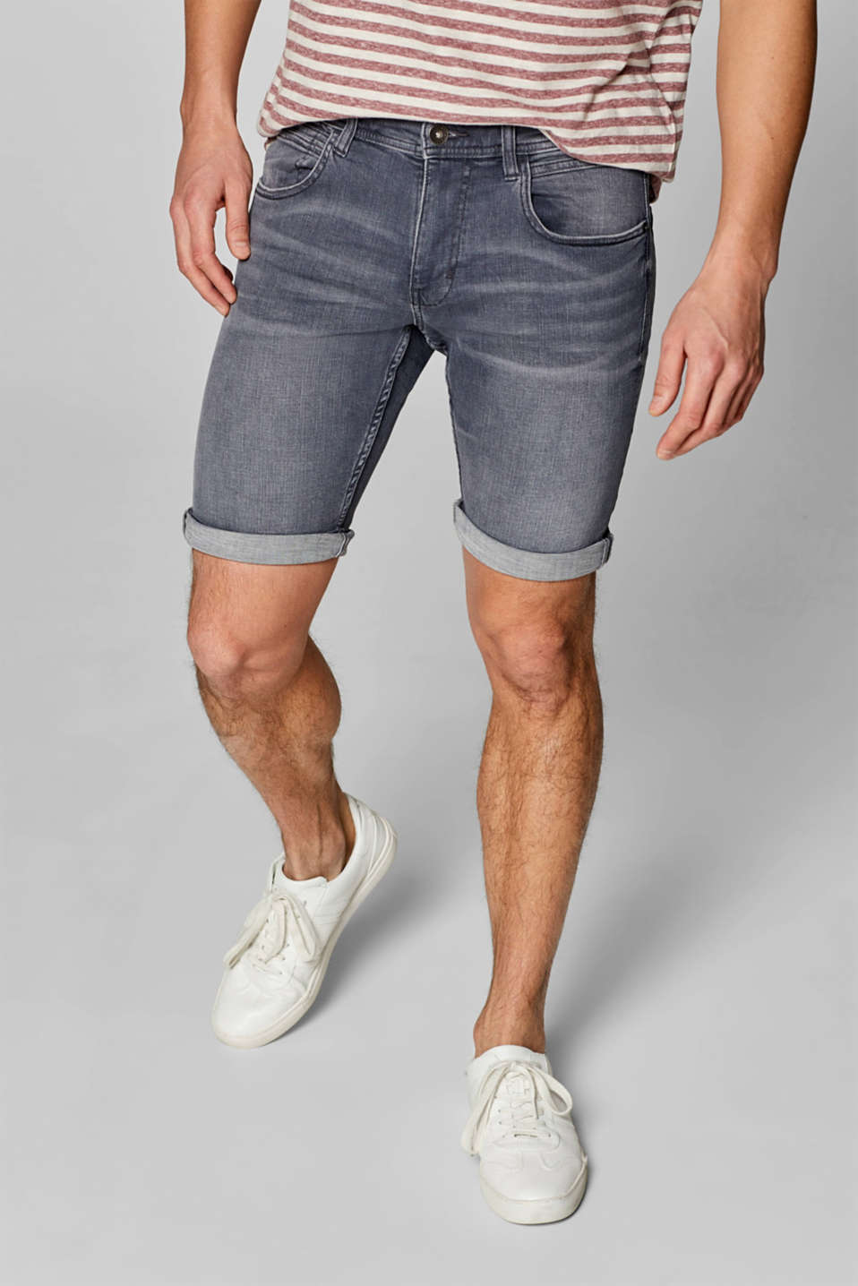 Esprit - Superstretch-Jeansshorts mit Washed Out-Effekt