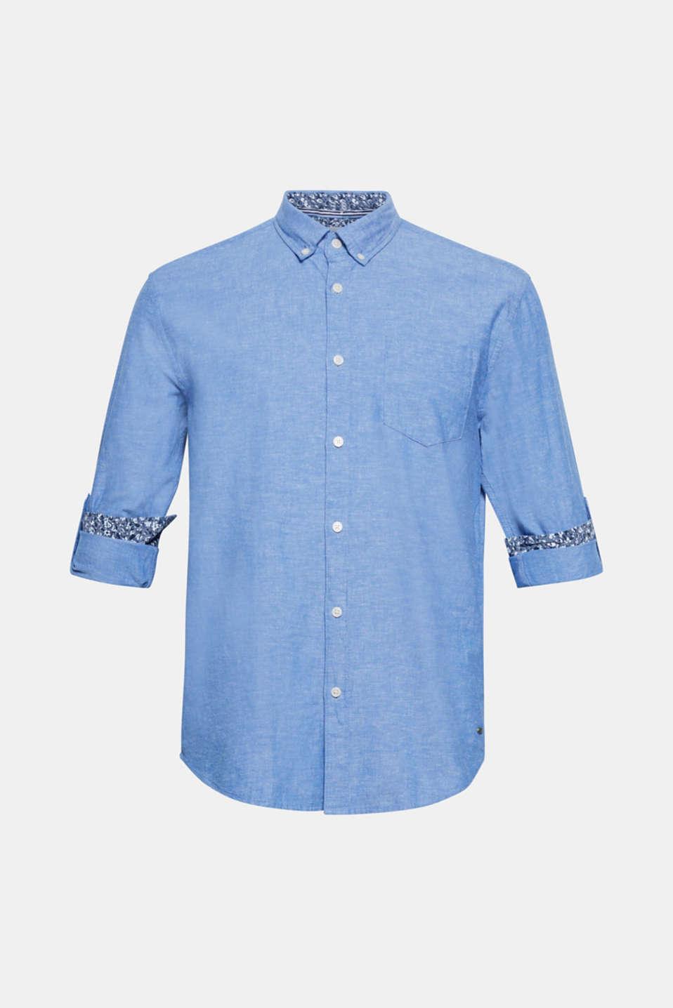 Dankzij de luchtige materiaalmix, de gemêleerde structuur en de casual oprolbare mouwen kom je in dit overhemd met buttondownkraag sportief voor de dag.