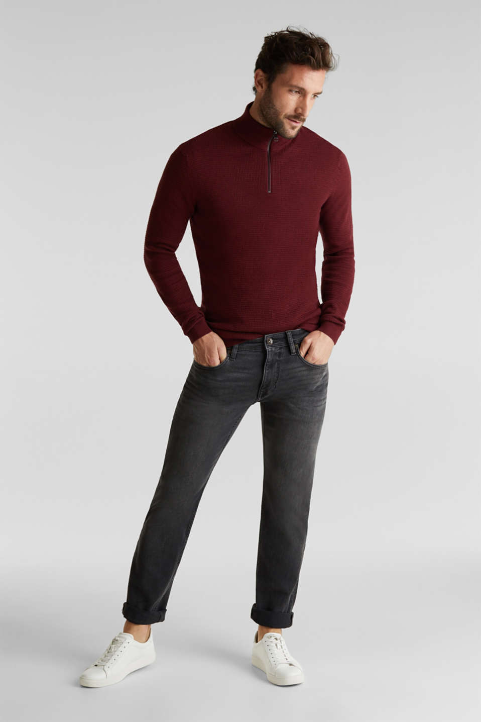With cashmere: Textured knit jumper, DARK RED, detail image number 1