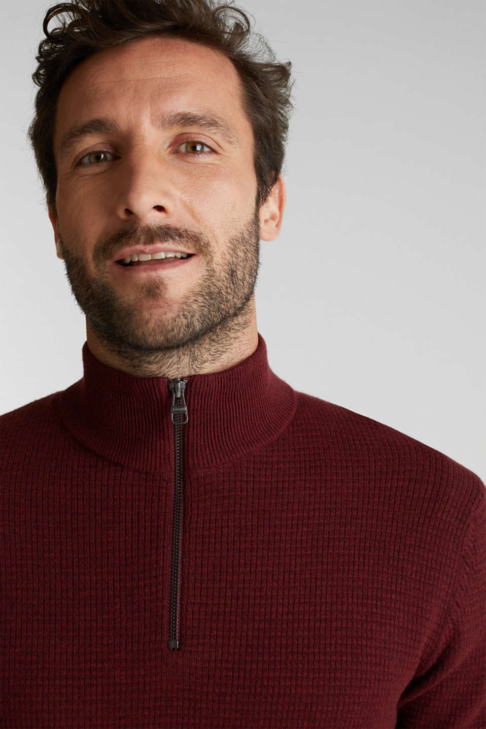 With cashmere: Textured knit jumper, DARK RED, detail image number 5