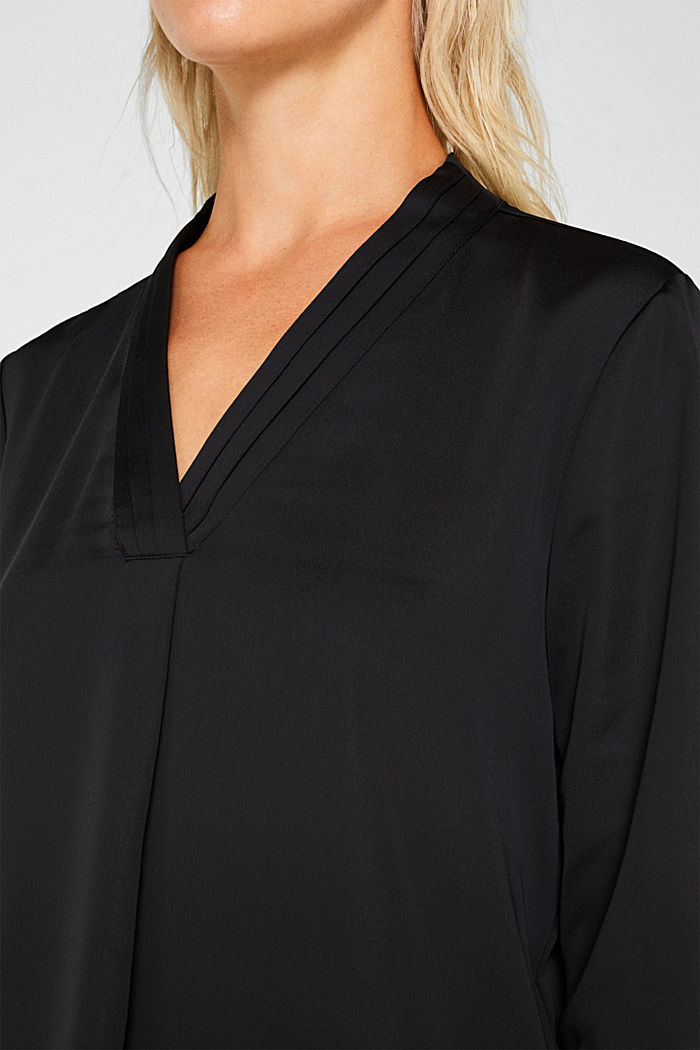 V-neck blouse with pleated trim, BLACK, detail image number 2