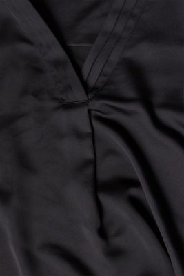 V-neck blouse with pleated trim, BLACK, detail