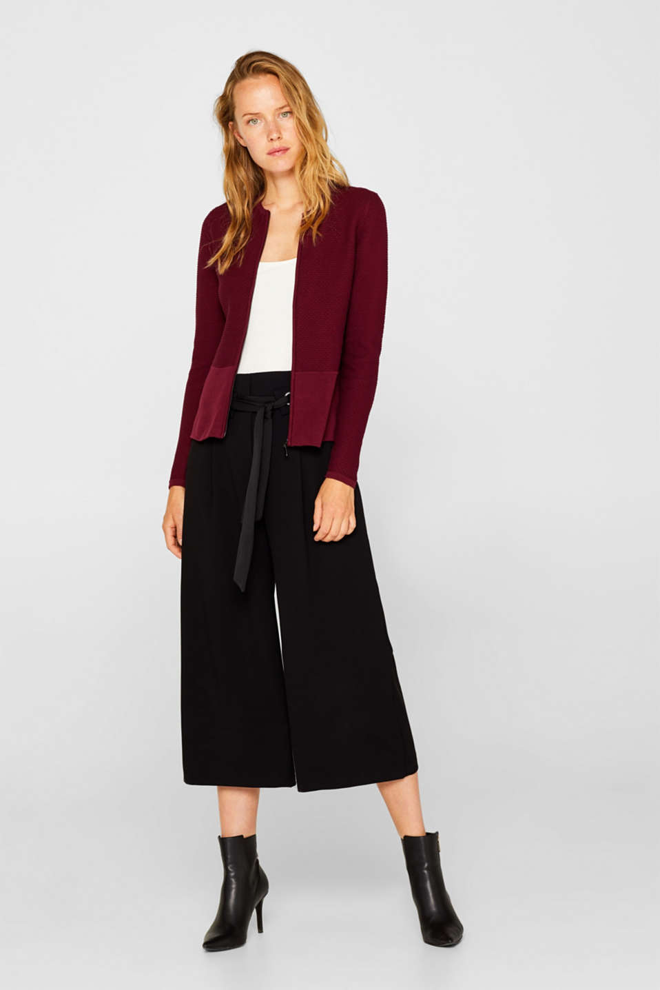 Textured cardigan with a peplum, GARNET RED, detail image number 1