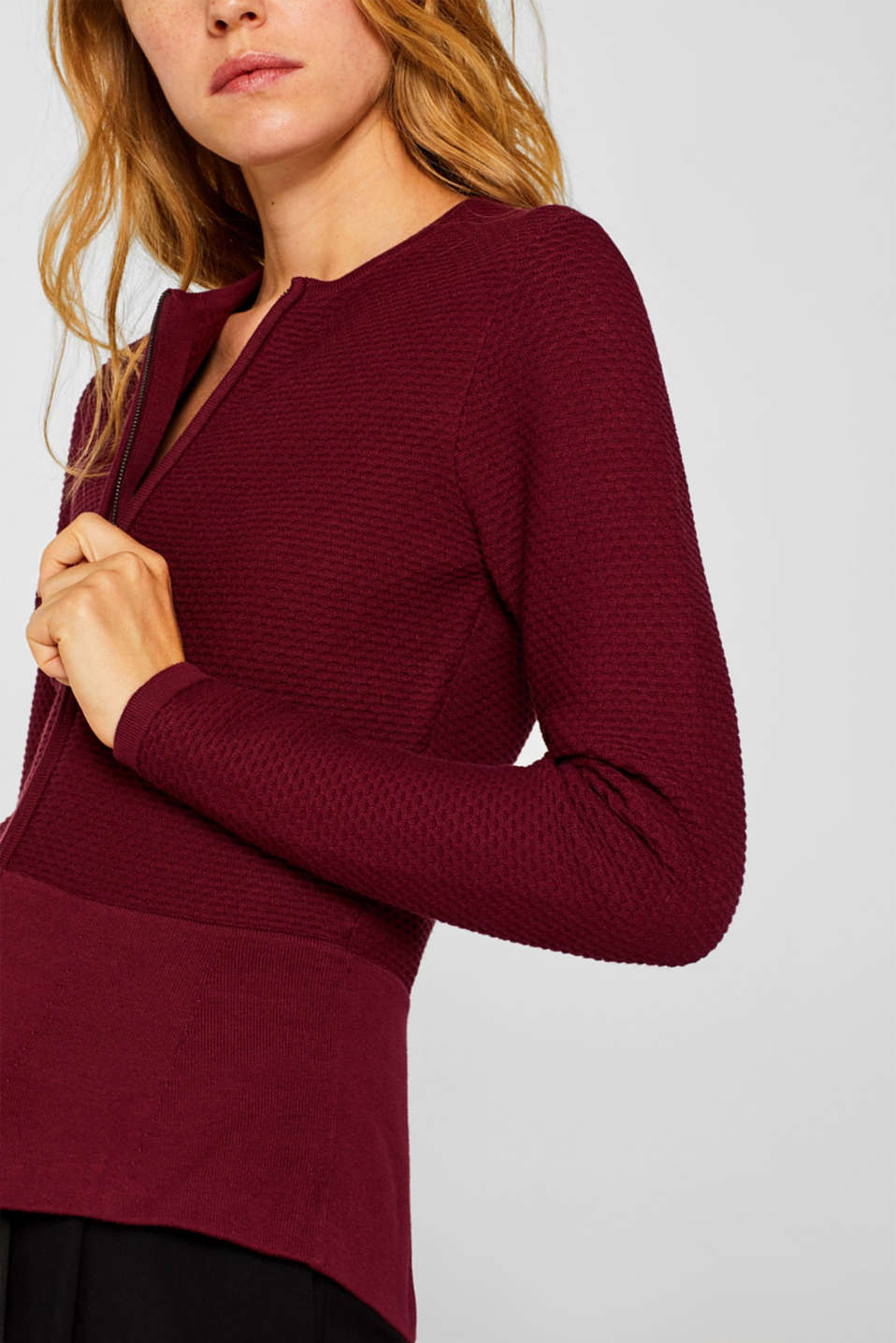 Textured cardigan with a peplum, GARNET RED, detail image number 2