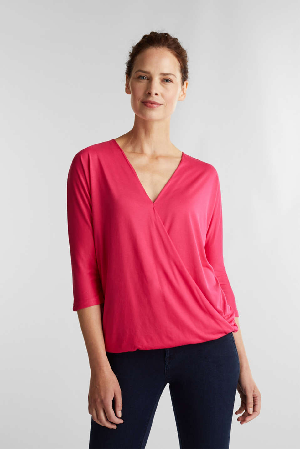 Esprit - Wrap-over effect T-shirt with an elasticated hem