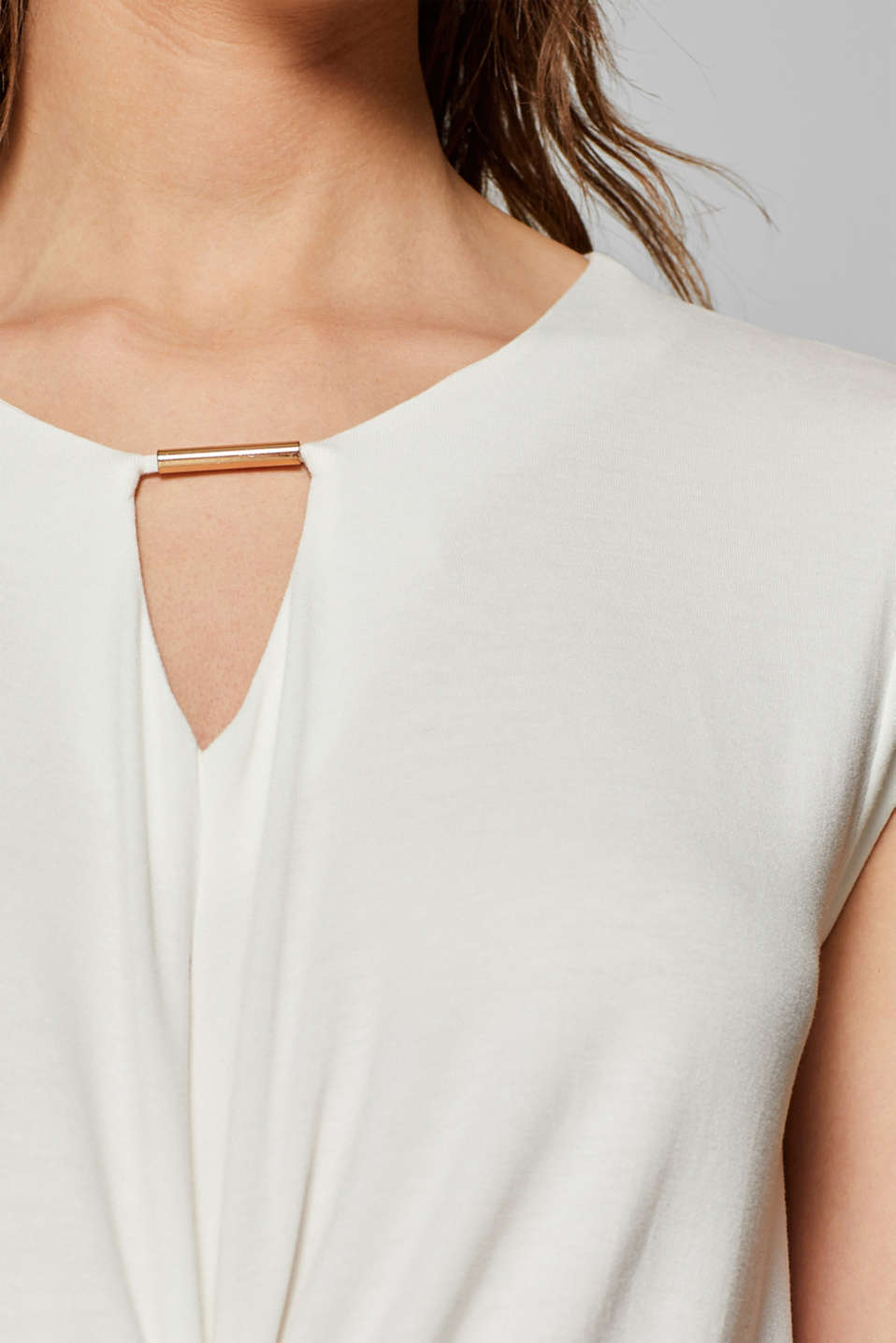 Wrap-over effect stretch tee with a decorative element, OFF WHITE, detail image number 4