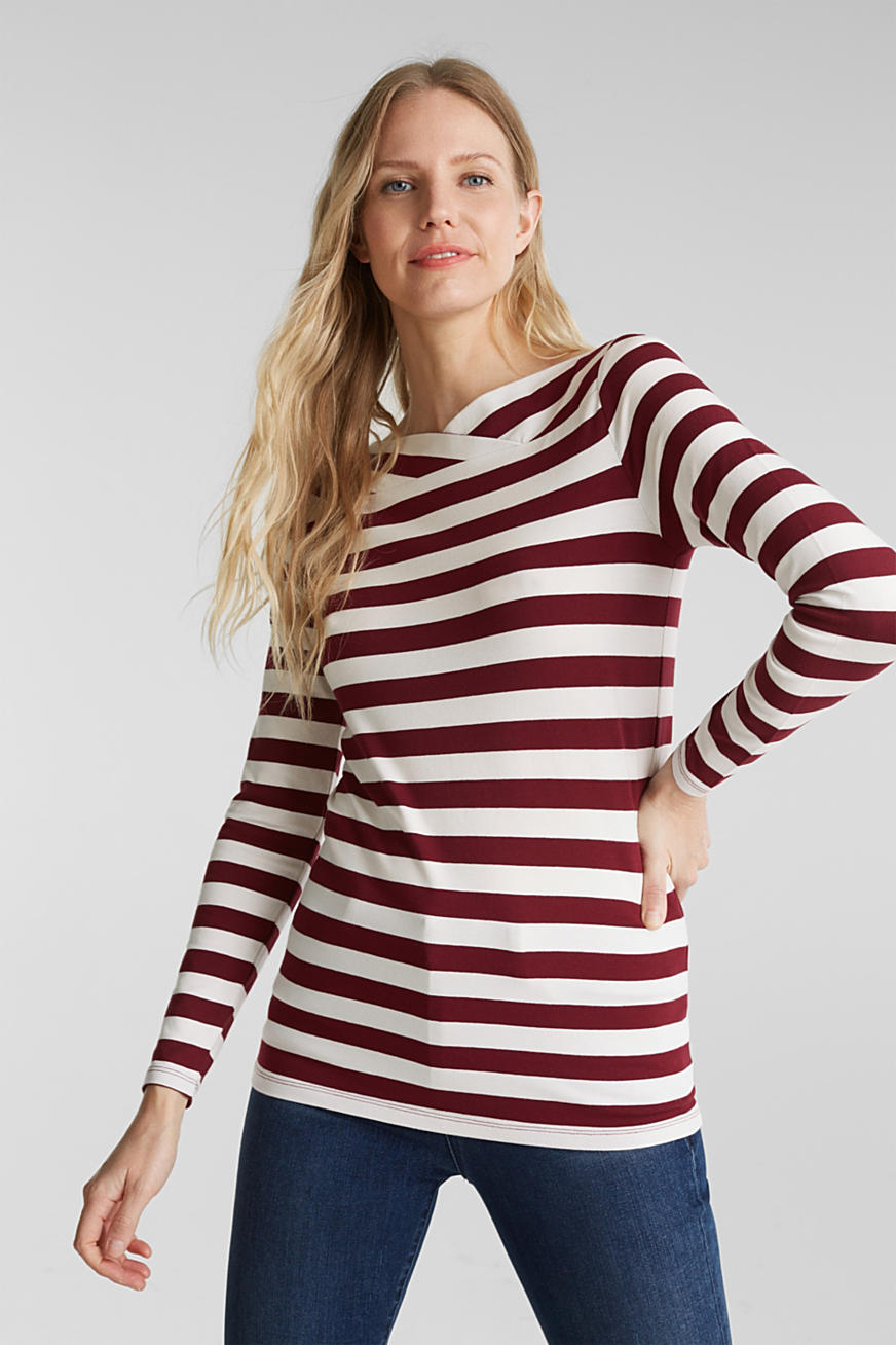 Long sleeve top with a beautiful neckline