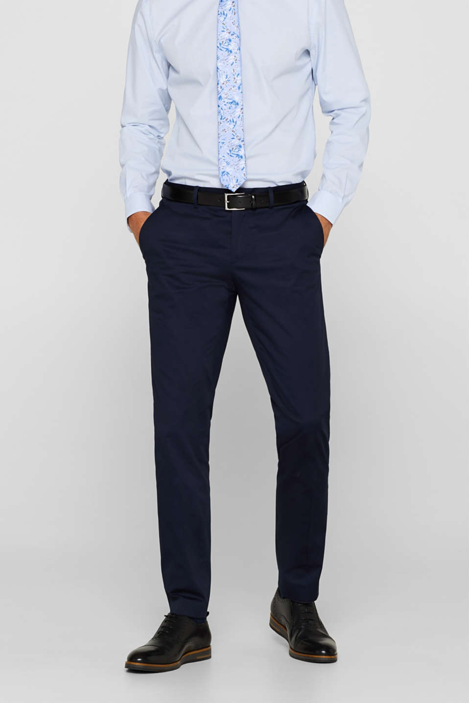 Esprit - SATIN Mix + Match : le pantalon de costume à plis de repassage permanents