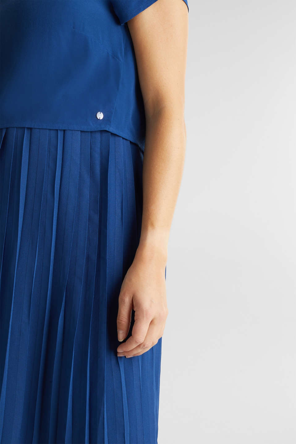 Dress featuring a pleated skirt and a nursing function, LCBRIGHT BLUE, detail image number 2